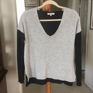 Madewell V Neck Oversize Sweater. Small.